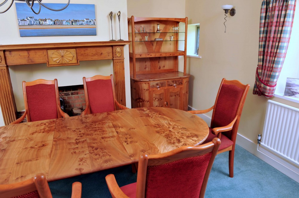 The Oving Dining Suite