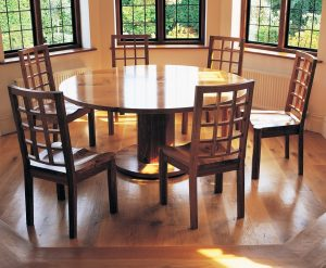 Cotswold Dining Suite